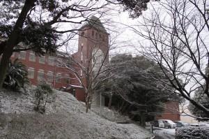 校舎 雪景色